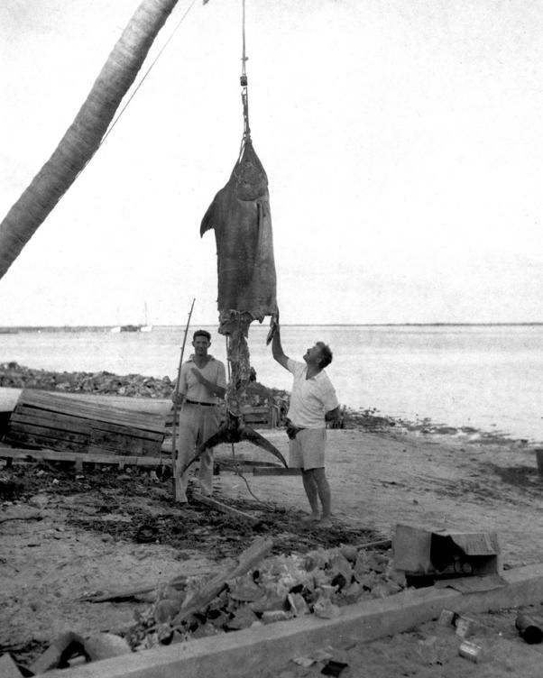 Ernest_Hemingway_and_Henry_Strater,_Bahamas,_1935.jpg