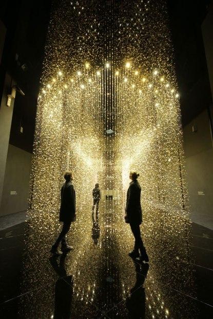 light-is-time-citizen-installation-dgt-luftzug-whitelight-6