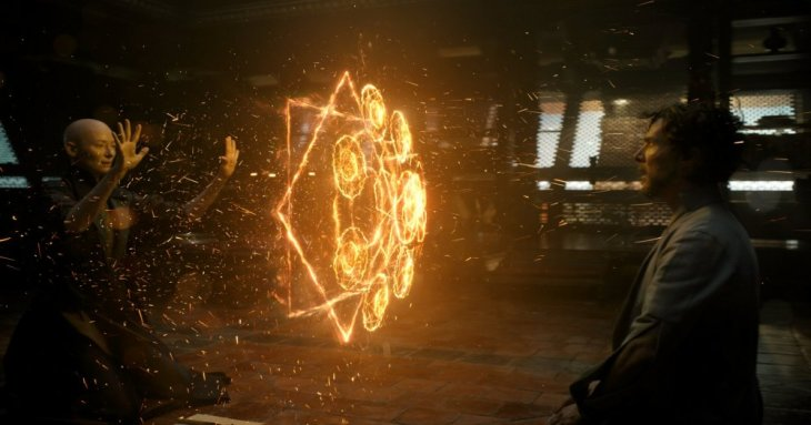 doctor-strange-2016-003-ancient-one-fire-pattern-towards-strange